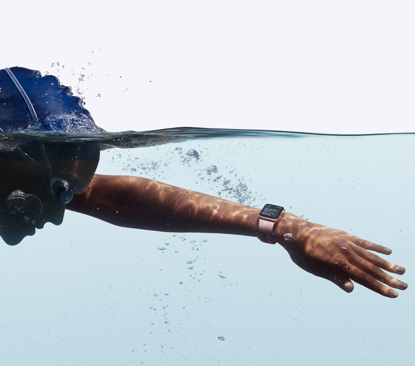 apple watch swim on hand