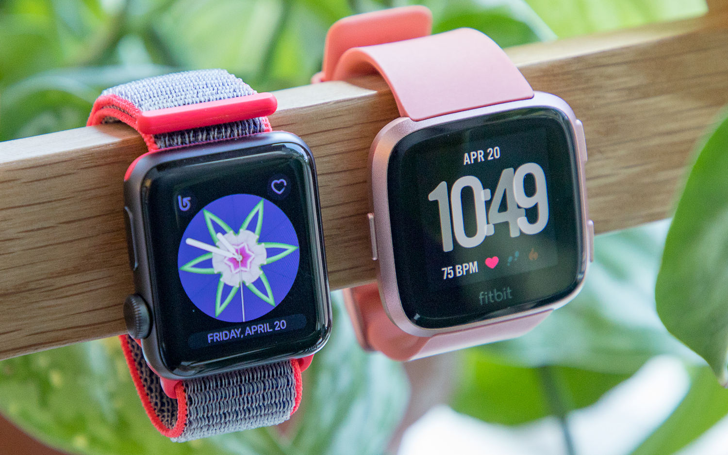 apple-watch-vs-fitbit